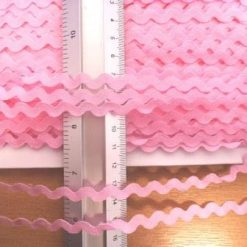 small ric rac trimming pale pink