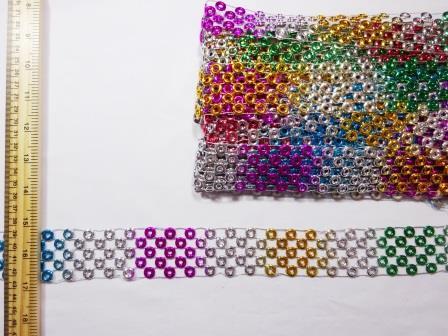 Trimming Rainbow Loops Belting