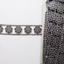 Trimming Stud Rose Belting Black/Silver