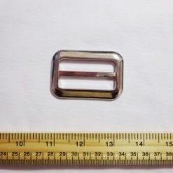 silver oblong buckle