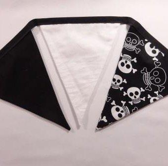 Funky Skulls Black/White/Black